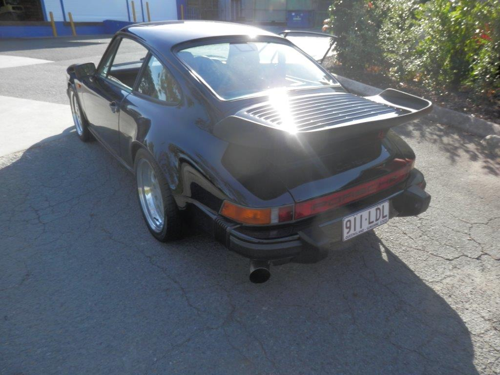 Porsche 3.2 Carrera 1985 model